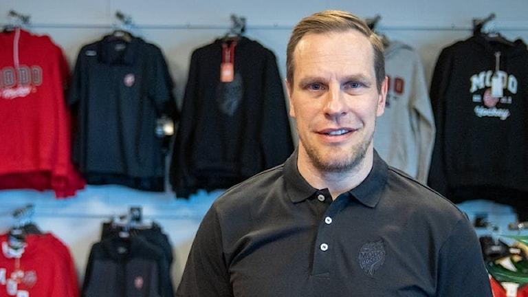 Porträttbild av Ville Nieminen, ny tränare Modo Hockey.