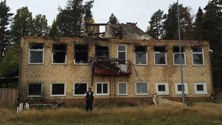 Före detta Viksjö skola som brann ner i april 2016