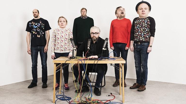 Mammas Nya Kille. Mattias Fransson, Sofia Wretling, Lars Berge, Bengt Strömbro, Sven Björklund och Olof Wretling. Foto: Mattias Ahlm/Sveriges Radio