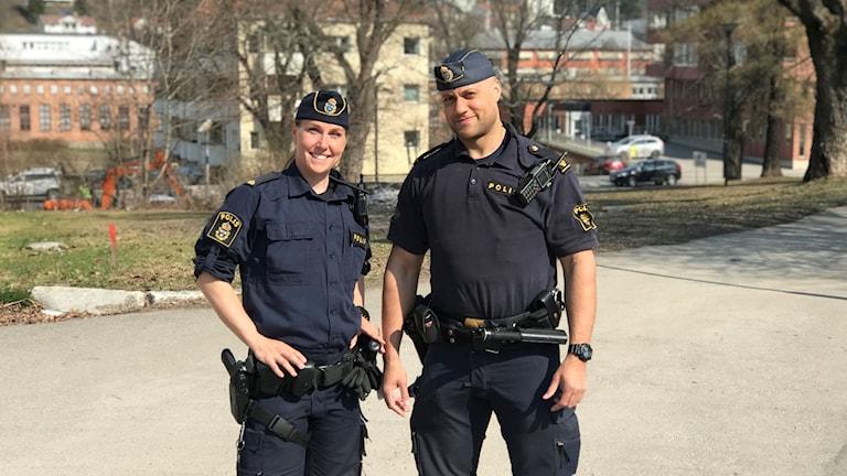 Poliserna Hanna Andersson och Jeremy Kjellsson