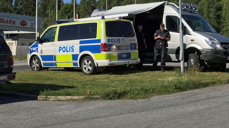 Polisen söker efter försvunnen 17-åring. Foto: Fredrik Birging/Sveriges Radio