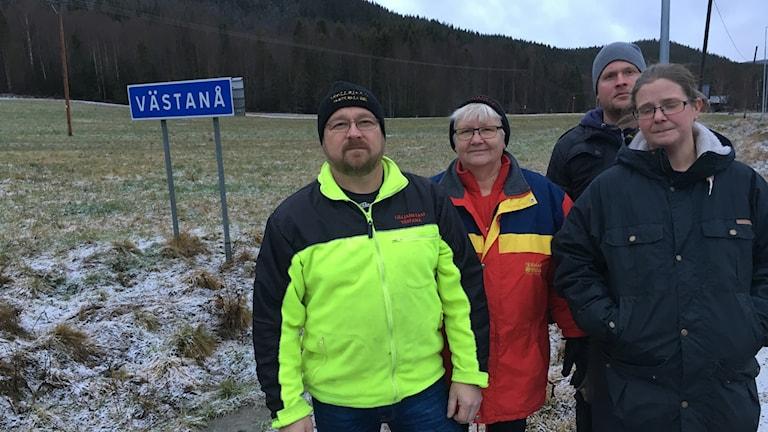 Några av de boende i byn Västanå, Sundsvalls kommun.