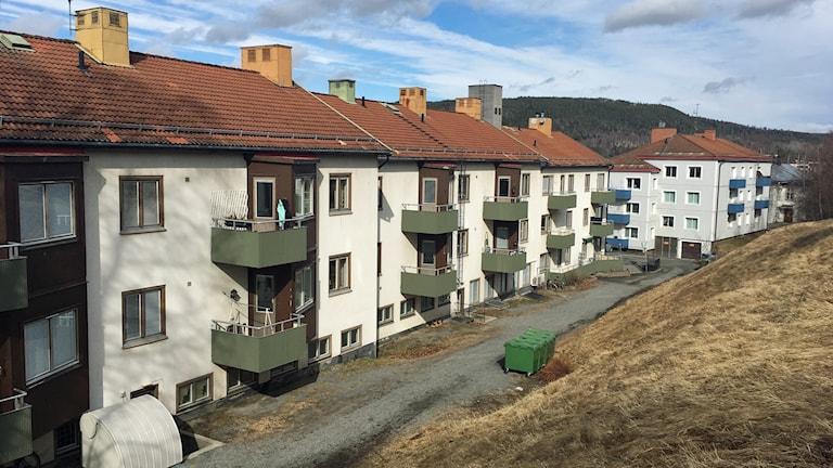 Hyreshusen på Djupövägen, några av de bostäder som berörs av hyreshöjningen.