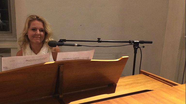 Helena Bruhn framför sin låt om Ådalen
