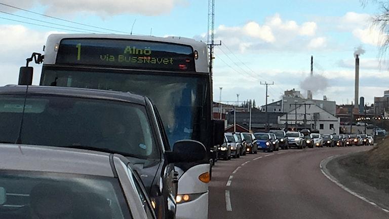 Bilkö efter olycka på Alnöbron i Sundsvall