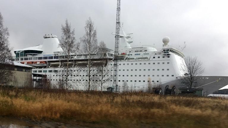 Fartyget Ocean Gala i Utansjö hamn. Foto: Pether Öhlén/Sveriges Radio