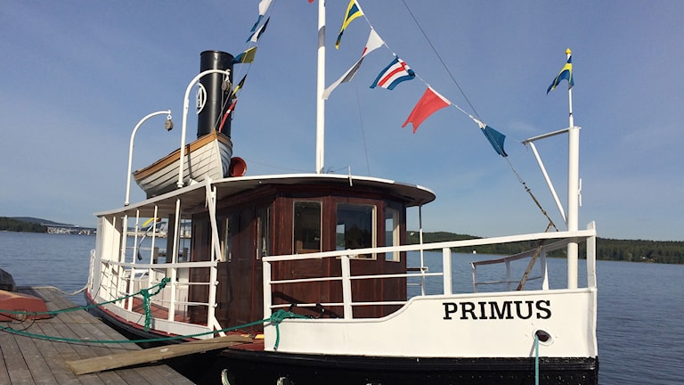 Ångbåten Primus vid kajen på Piren Alnö. Foto: Ingrid Engstedt Edfast/Sveriges Radio