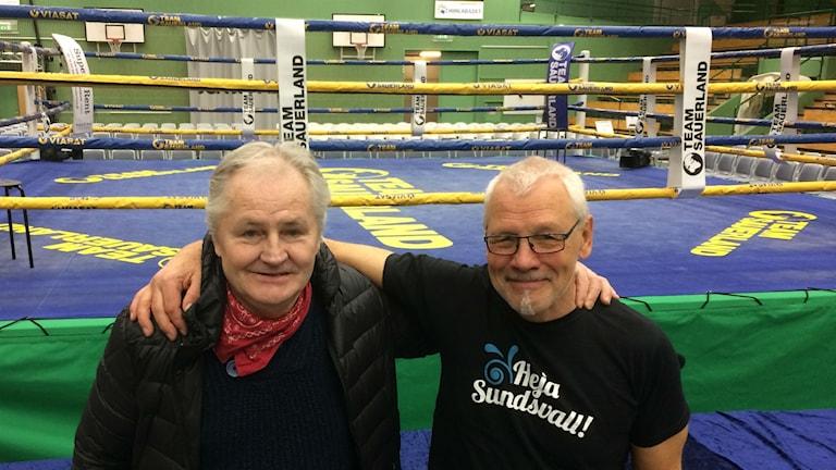 Kalle Wallin och Håkan Bergman inför proffsboxningsgalan. Foto Christer Jonasson / SR Västernorrland