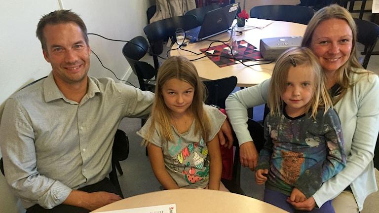 Familjen Peter Isakas, Smilla Andersson, Ellie Andersson och Sara Andersson