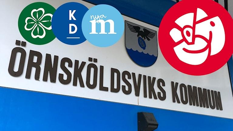 """Bildkollage. En skylt med texten """"Örnsköldsviks kommun"""" med Socialdemokraternas partisymbol i övre högra hörnet. Allianspartiernas partisymboler till vänster i mindre storlek. Centerpartiet, Kristdemokraterna och Moderaterna. Foto: Anton Kårén/Sveriges Radio"""