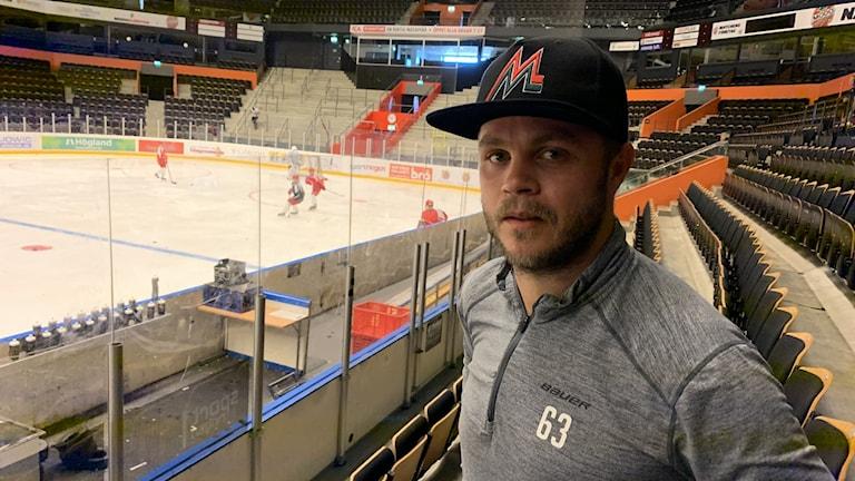 Tommy Enström i Modos hemmaarena i Örnsköldsvik.