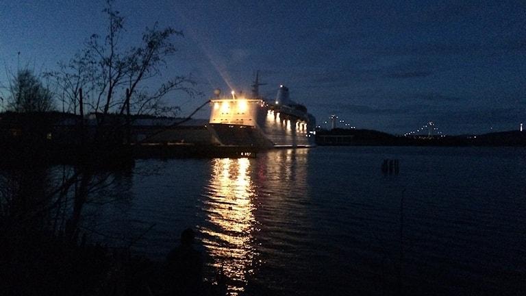 Ocean Gala lämnar Utansjö hamn