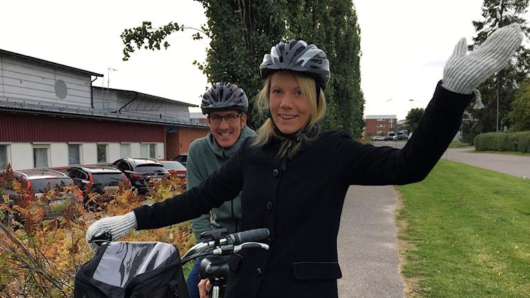 Anna och Niklas cyklar för världens barn