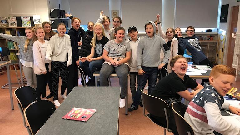 Klass 6, Ankarsviks skola på Alnön ställer upp på gruppbild