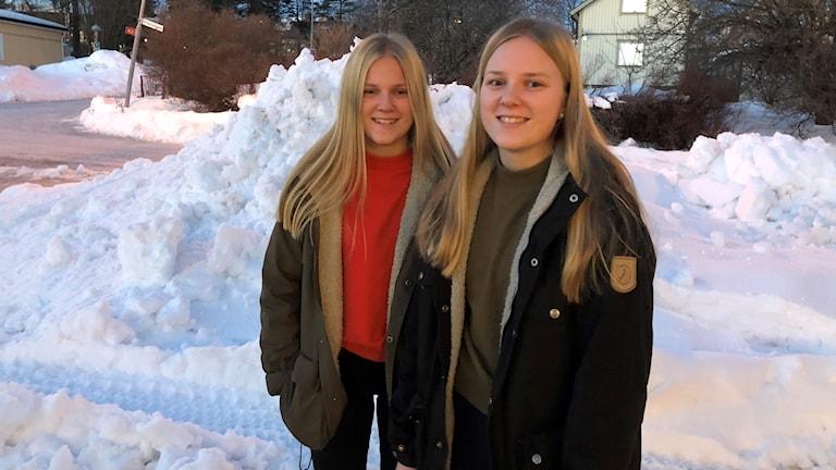 Lisa och Hanna Dahlin spelar i Nolby Hockeys nya lag.