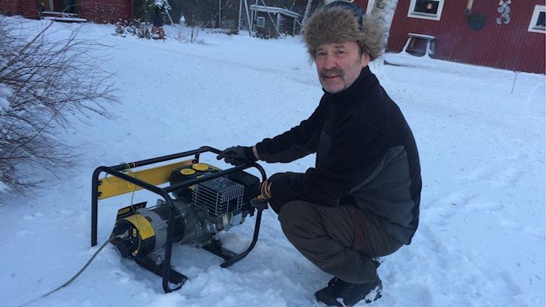 Roland Höglund i Björkå bruk. Foto: Ingrid Engstedt Edfast/Sveriges Radio