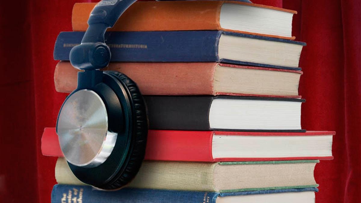 Trave med böcker.