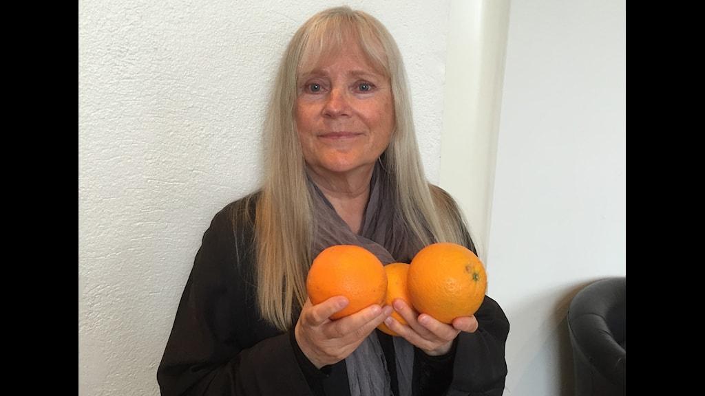 Ulla Skoog läser Det finns annan frukt än apelsiner av Jeanette Winterson