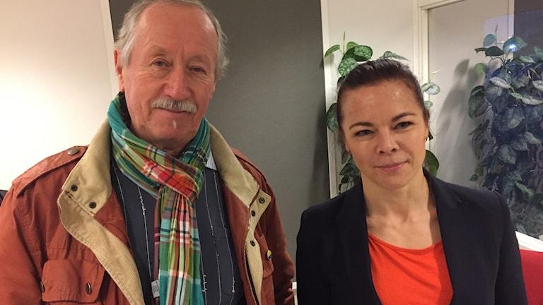 Hans Stergel, (C) ordf i nämnden idrott och friluftsliv och Patrizia Strandman, Västerås friidrott.
