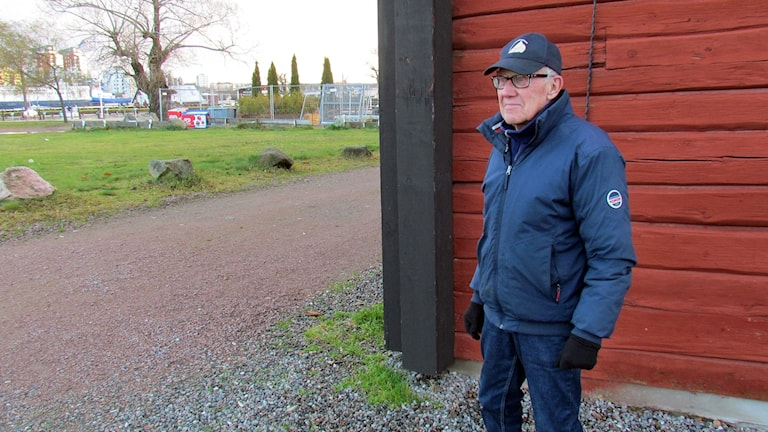 Här på planen bakom gästhamnskontoret vill föreningen skapa ett nytt veteranbåtsmuseum.