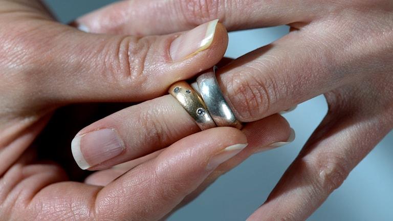 Ringar tas av efter skilsmässa