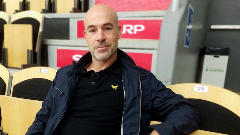 Christer Olsson, tränare i VIK Hockey