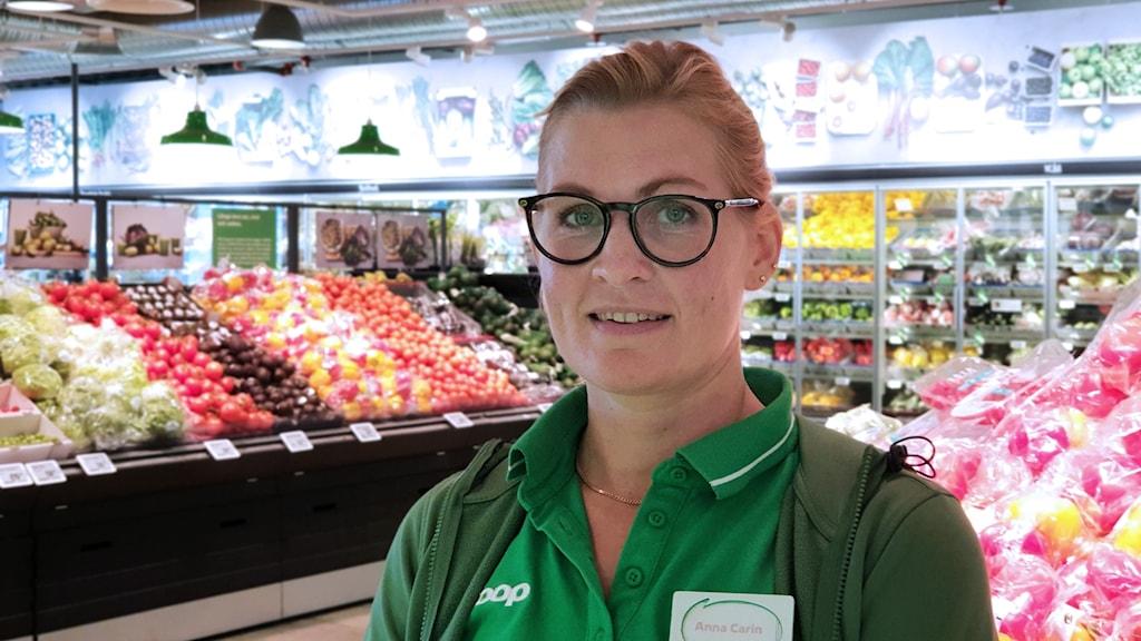 Anna-Carin Forsberg, ansvarig för frukt och grönt på Coop Stenby.