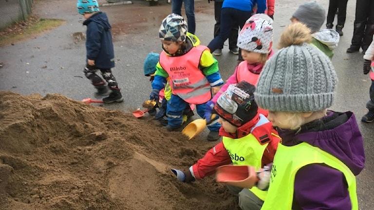 Barnen vid Blåsbo som snart får ny förskol