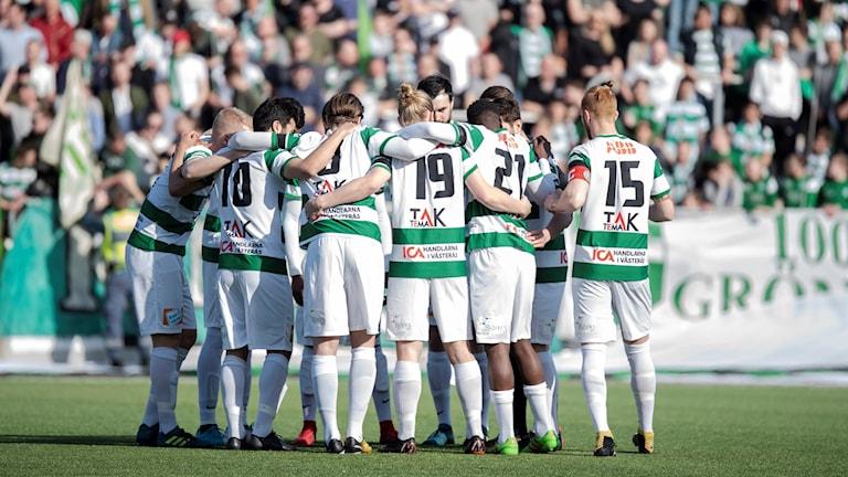 VSK Fotboll samling framför klacken 2018