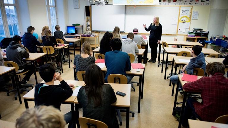 Undervisning i ett klassrum.