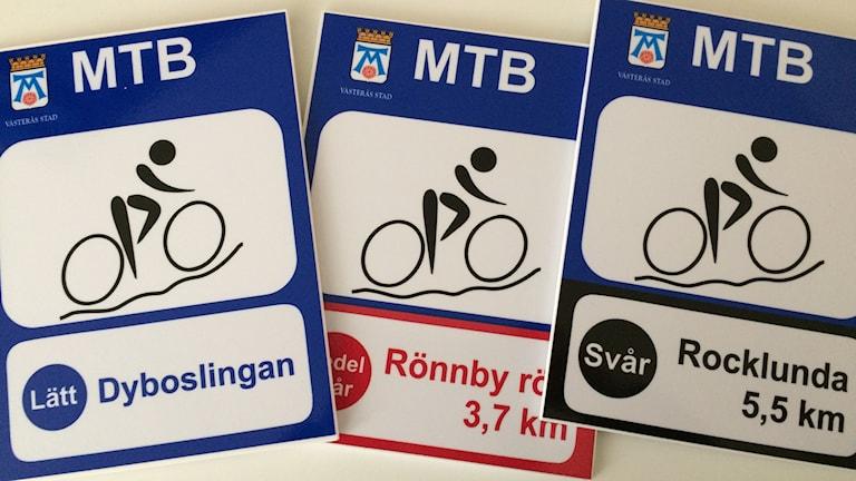 De nya skyltar som ska märka ut lederna för mountainbike runtom i Västerås.