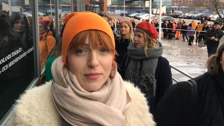 Medieprofilen och krönikören Cissi Wallin, är initiativtagare till demonstrationen.