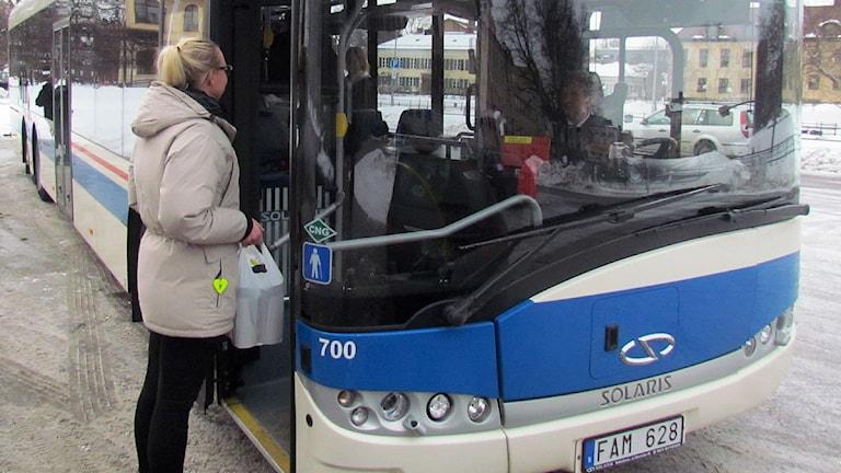 Buss, Västmanlands lokaltrafik. VL. Foto: Kennet Lindquist/Sveriges Radio.