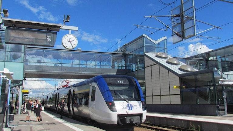 Tåg vid Västerås Centralstation. Foto: Eva Kleppe/Sveriges Radio.