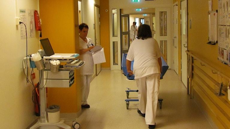Sjukhusvård. Foto: Inga Korsbäck/Sveriges radio.