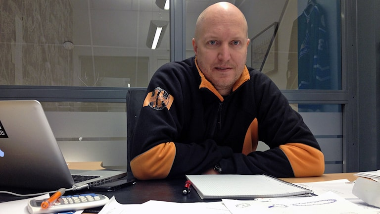 VIK Hockeys sportchef Niklas Johansson. Foto: Johan Bengts/SR.