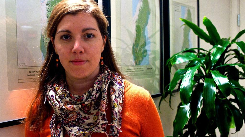 Vasiliki Tsouplaki (V) frågas ut i P4 Västmanland. Foto: Andreas Irebring/Sveriges Radio.
