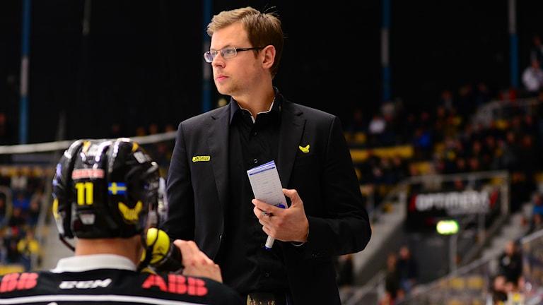 Martin Filander, tränare i VIK Hockey. Foto: Mattias Forsberg/Sveriges Radio