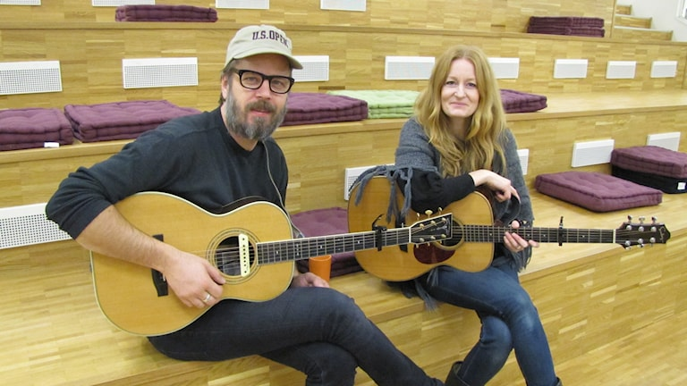 Pecka Hammarstedt och Anna Stadling.