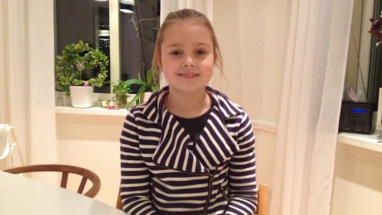 10-åriga My Lindström har lämnat in ett medborgarförslag för att hjälpa Salas tiggare. Foto: Samuel Sillén/Sveriges Radio.