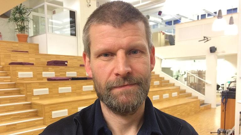 Brandingenjör Fredrik Eriksson. Foto: Jenny Berggren/Sveriges Radio.