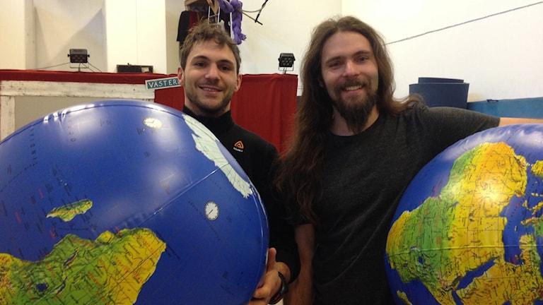Pelle Holst och Erik Holst, delar av gycklargruppen TRiX. Foto: Sveriges Radio