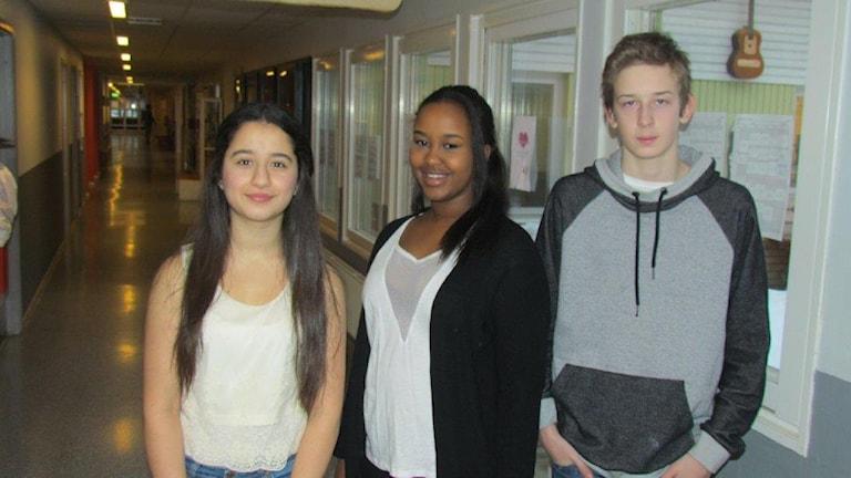 Från vänster Shirin Salim Selewa, Sumeya Elmi och Adam Edenskär Foto: Liselotte Karlsson