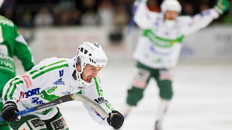 VSK Bandys Tobias Holmberg. Foto: Per Groth/TT.