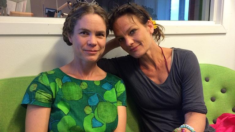 Karin Toll och Malena Engström från den nystartade kulturföreningen Kulturbasen. Foto: Jenny Berggren/SR