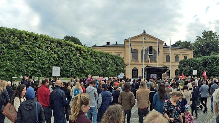Manifestationen på Fiskartorget. Foto: Sveriges Radio.
