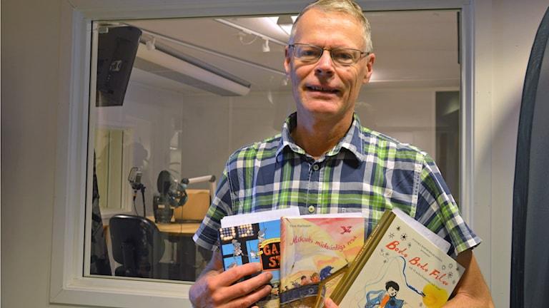 Dag Hedberg på Barn- och ungdomsbiblioteket i Västerås. Foto: Eva Kleppe/Sveriges Radio.