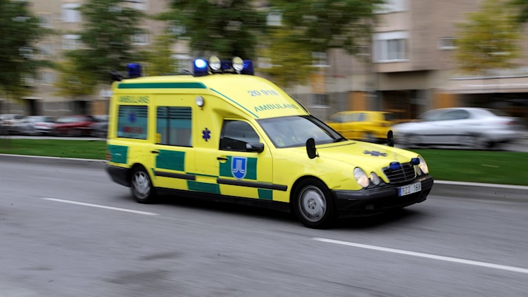 Ambulans under utryckning. Foto: Bertil Ericsson/TT.
