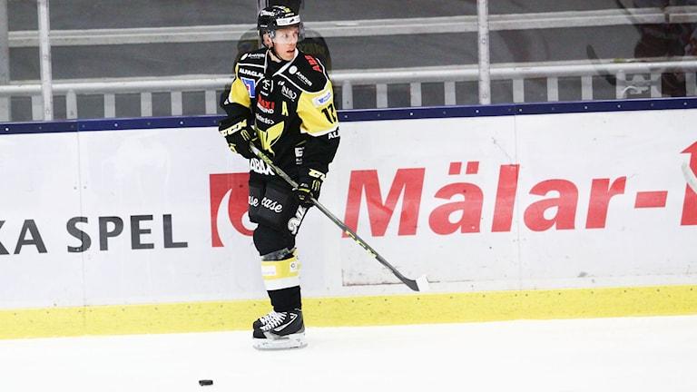 VIK Hockeys forward Fredrik Johansson. Foto: Daniel Gustafsson/Sveriges Radio.