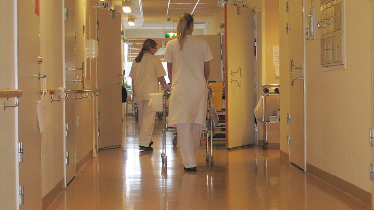 Sjukhuskorridor Foto: Lovisa Gelin, Sveriges Radio Östergötland.